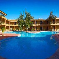 hotels_1_w_tn.jpg