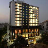 Hotel_Exterior_(2)_tn.jpg