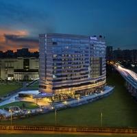 Hotel_Facade_Night_tn.jpg